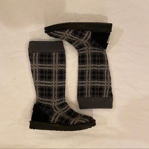 UGG Kids Gray Plaid Knitted Boots Size 1 US